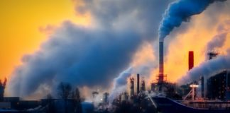 Air Pollution Essay in Hindi