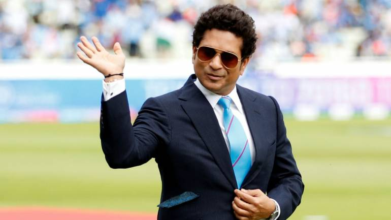 Essay on Sachin Tendulkar in Hindi